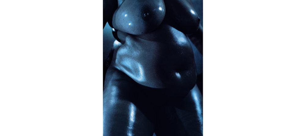 Blue Nudes  Untitled N°8, 2005 Tirage gélatino argentique, 144 x 104 cm | Gelatin silver print 56,59 x 40,94 inches  3/5