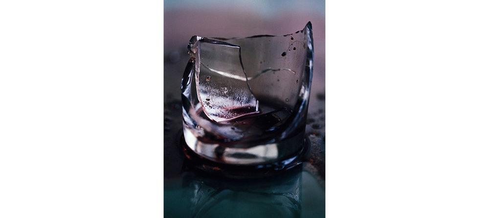Blood  Untitled N°6, 2000/2014 Tirage gélatino argentique, 144 x 104 cm | Gelatin silver print, 56,69 x 40,94 inches  4/4