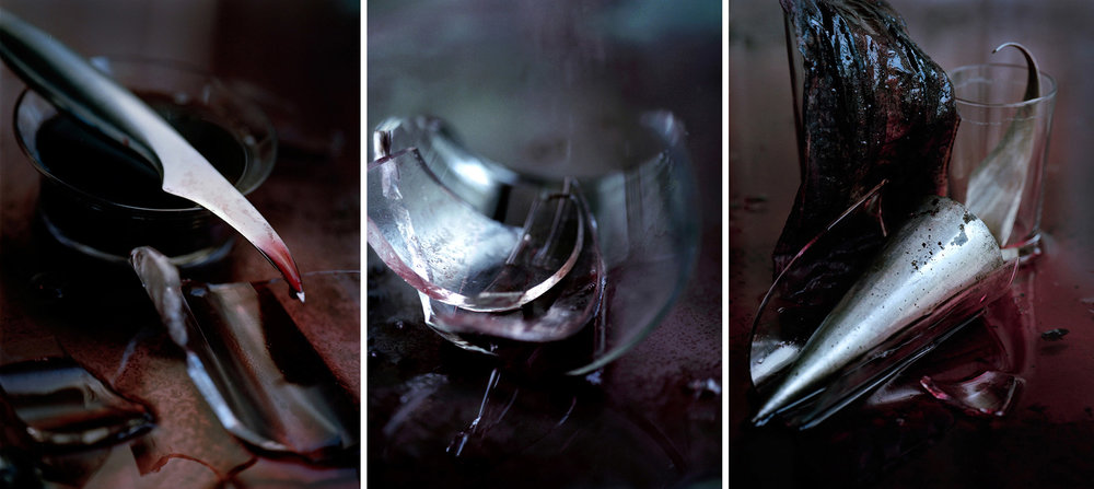 Blood  Triptych N°1, 2000/2014 Tirages gélatino argentique, 3 panneaux 144 x 104 cm chacun | Gelatin silver prints, 3 panels 56,69 x 40,94 inches each  1/4