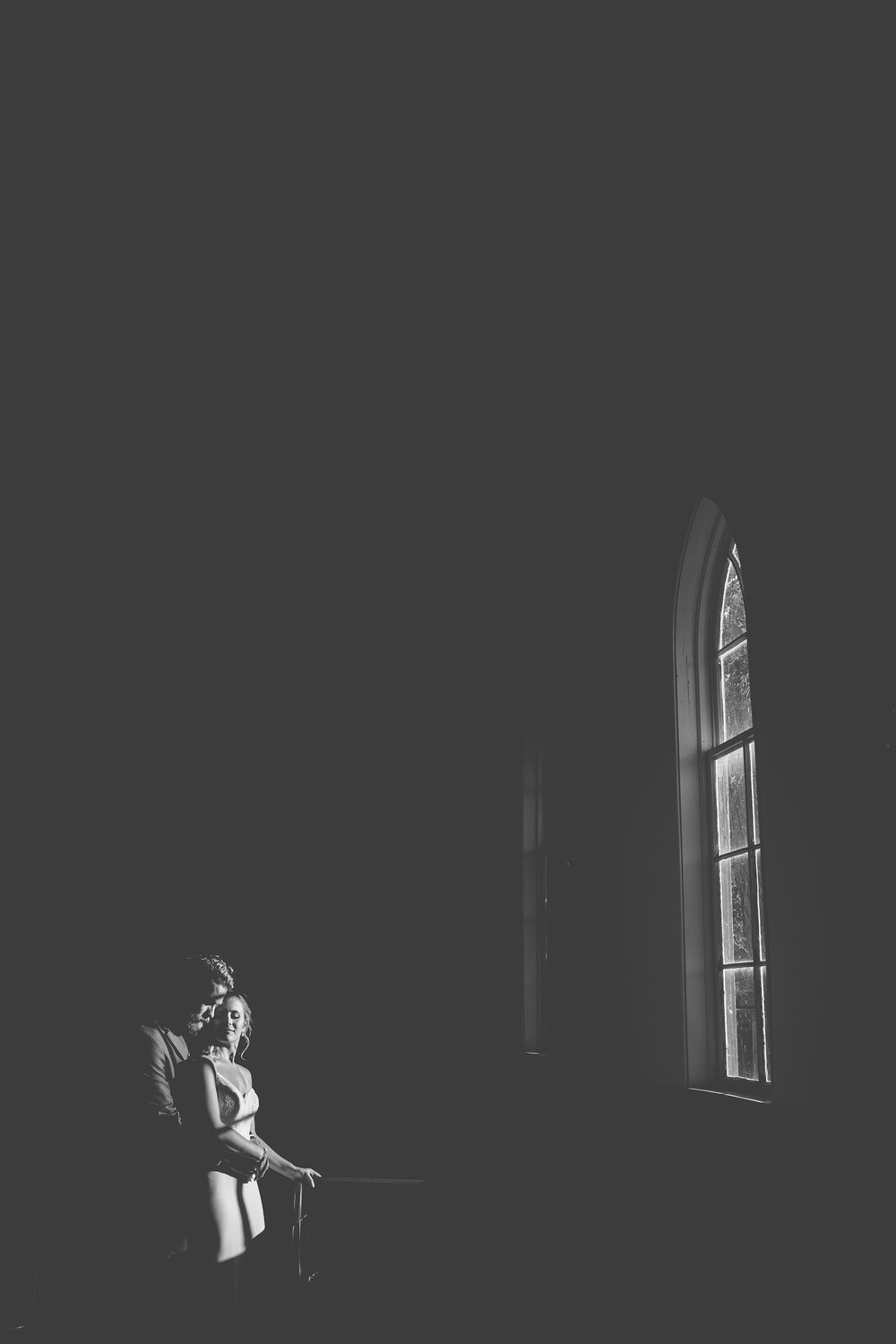Ughhhh that dreamy window light inside the chapel – a match made in heaven for a couple as dreamy as Amanda & Alex!