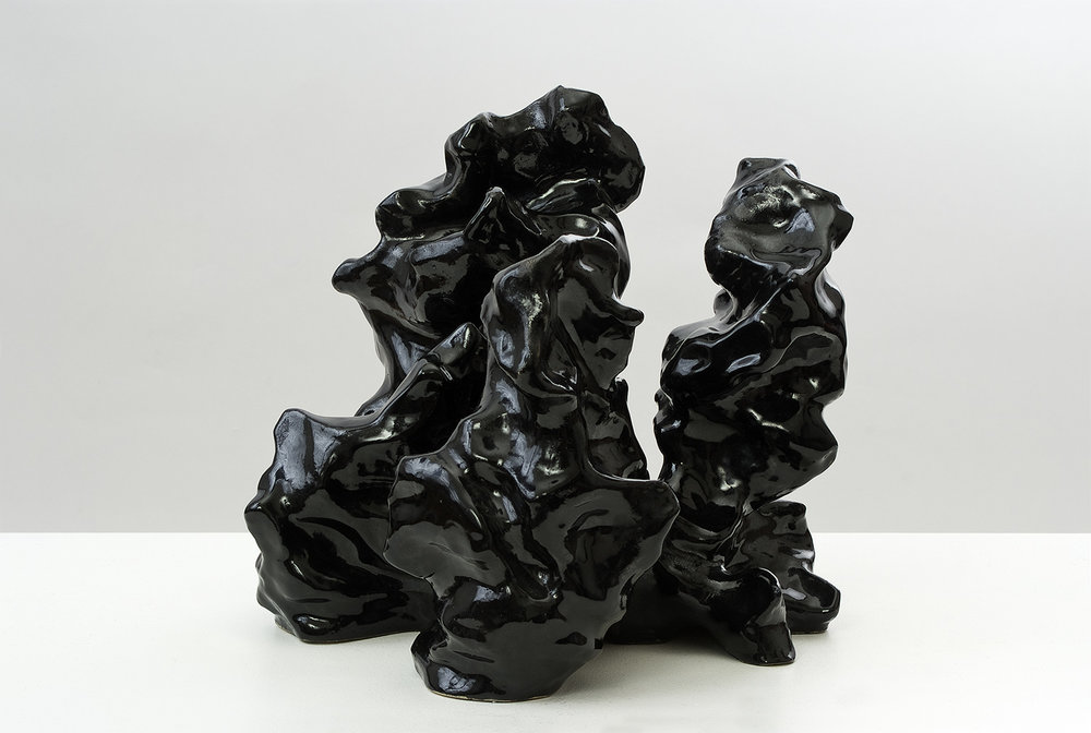 o.T. | 2008 | Ton, schwarz glasiert | 26,5 x 32 x 35 cm