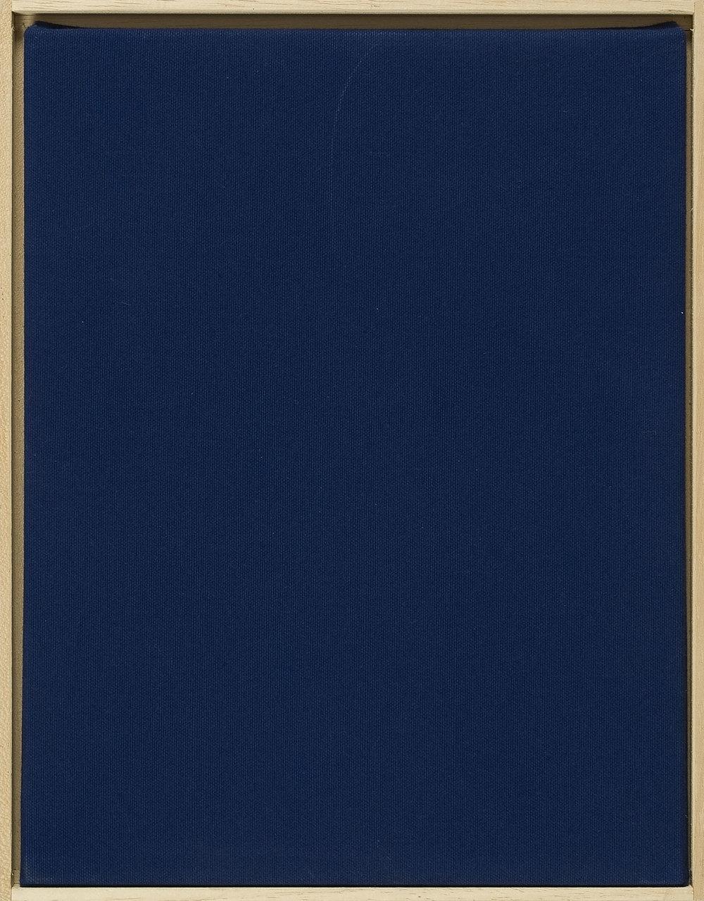 Werkhandlung 2, Der 1. Werksatz 2 | 2002 | Multiple einer Textilarbeit mit Videotape in Holzbox, mit Handzeichnung und Farbfoto in Pergaminhülle | 33 x 26 x 6 cm