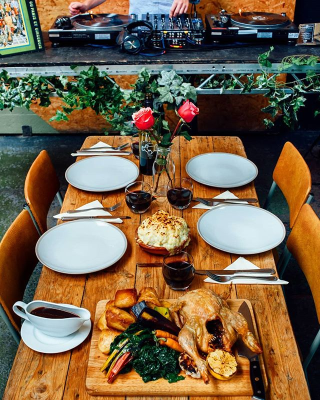 Still deciding where to have your roast this Sunday? Join us @constellationsliverpool for roast and records, delicious food and relaxing tunes on hand. Booking is essential, call 01513456302 to reserve your table!