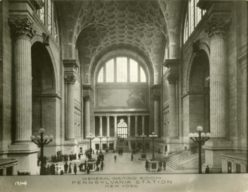 Penn_Station_Main_Hall.jpg