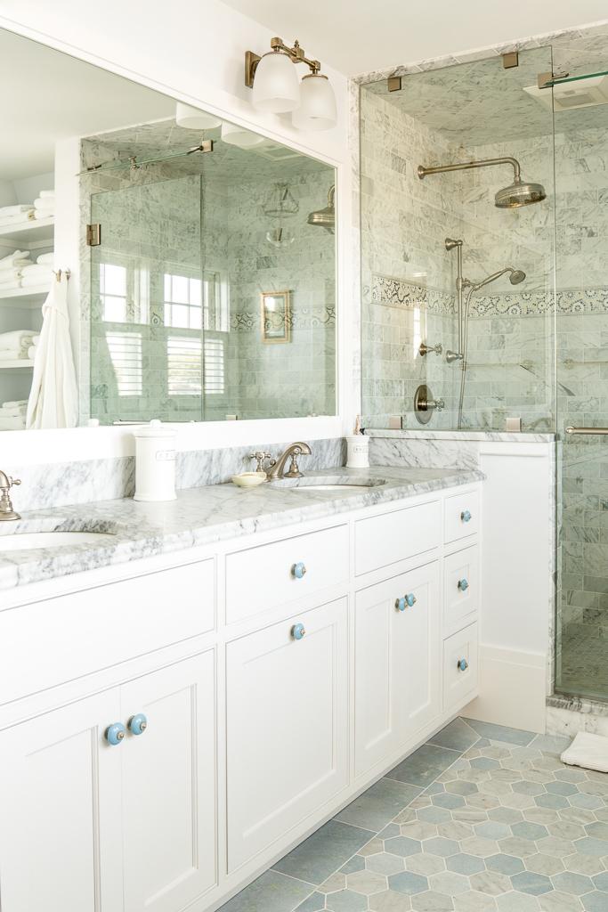 A Bath in Azul Cielo and Carrara