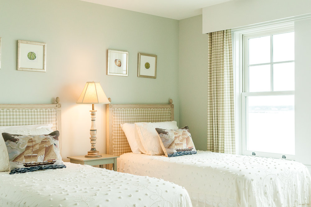 Vintage-Style Twin Bed Bedroom