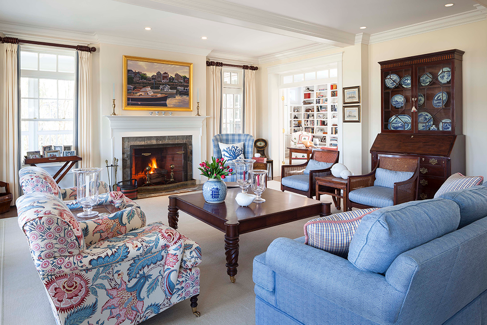 Hurlbutt_Kennebunk-Traditional-Beach-Cottage_Living-Room_5.18.png