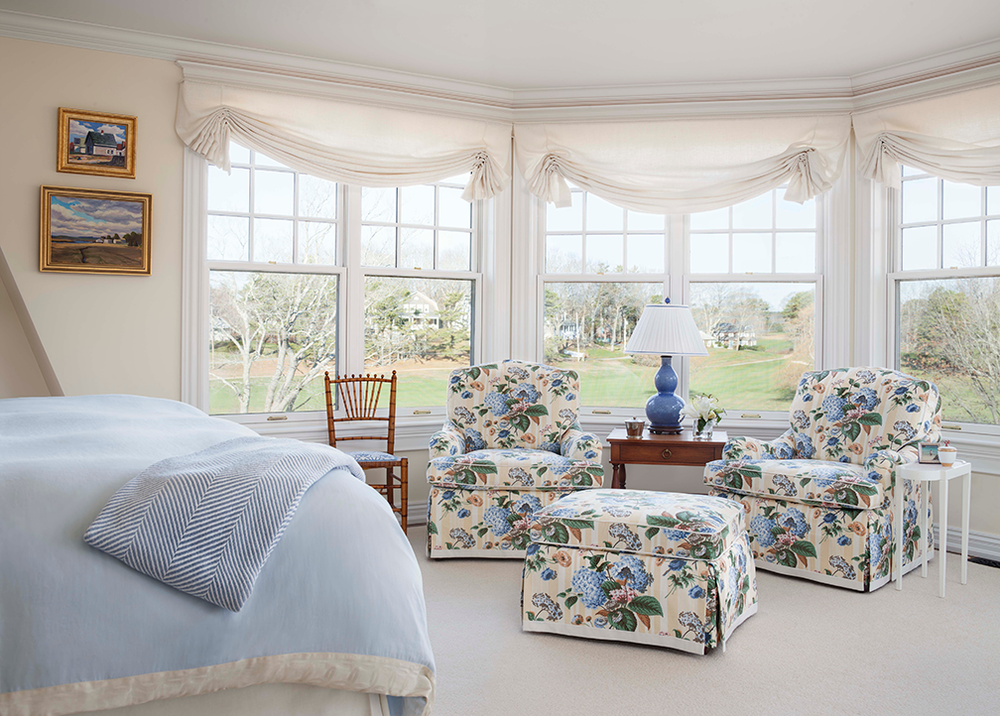 Hurlbutt_Kennebunk-Traditional-Beach-Cottage_Master-Bedroom_5.18.png