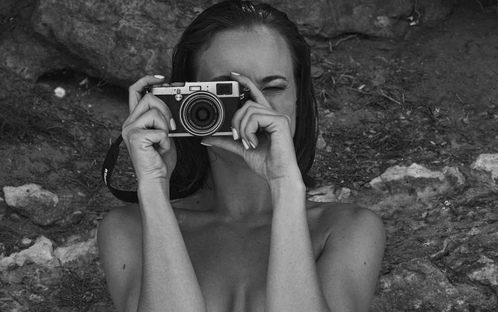 Imogen - Ibiza 1158 b&w web.jpg