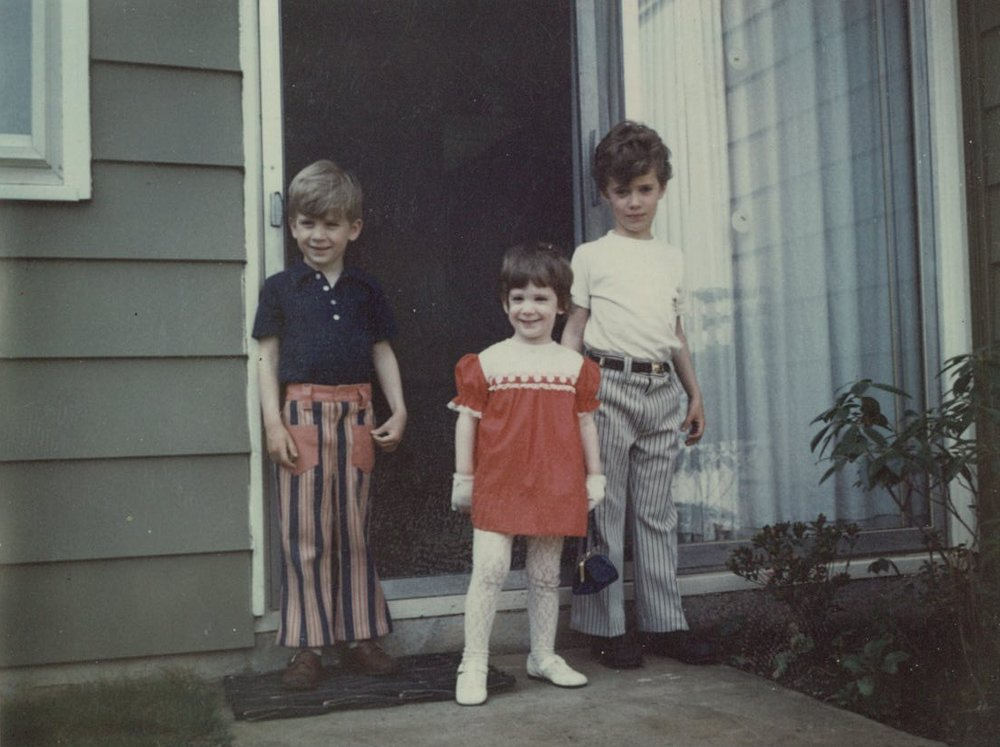 Young Anne and her siblings