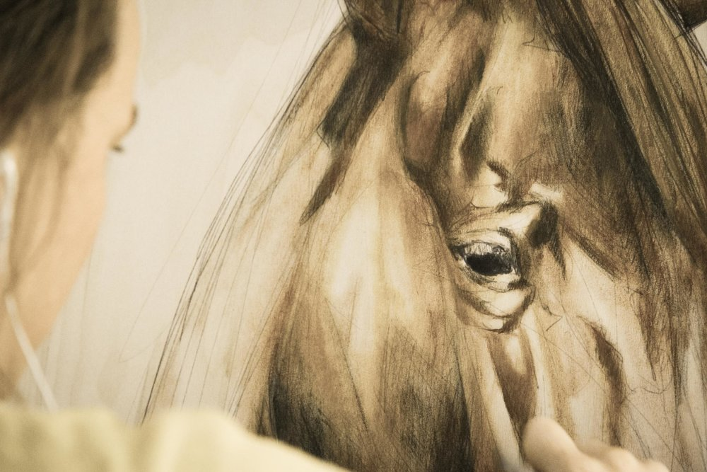 Lydia_schilderen (1 of 1).jpg