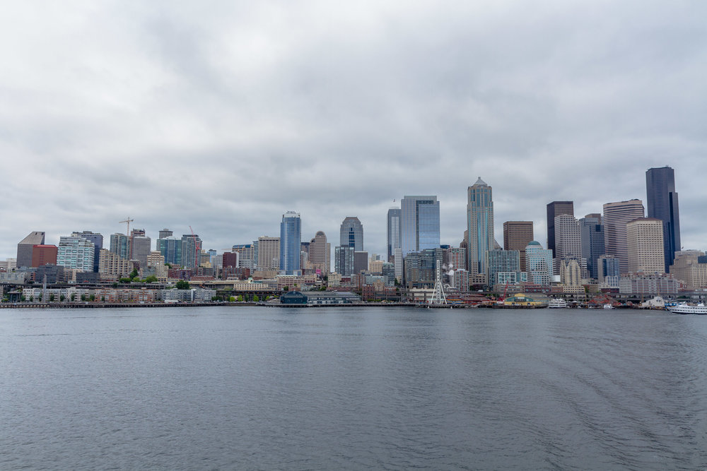 seattle_skyline_2015.jpg