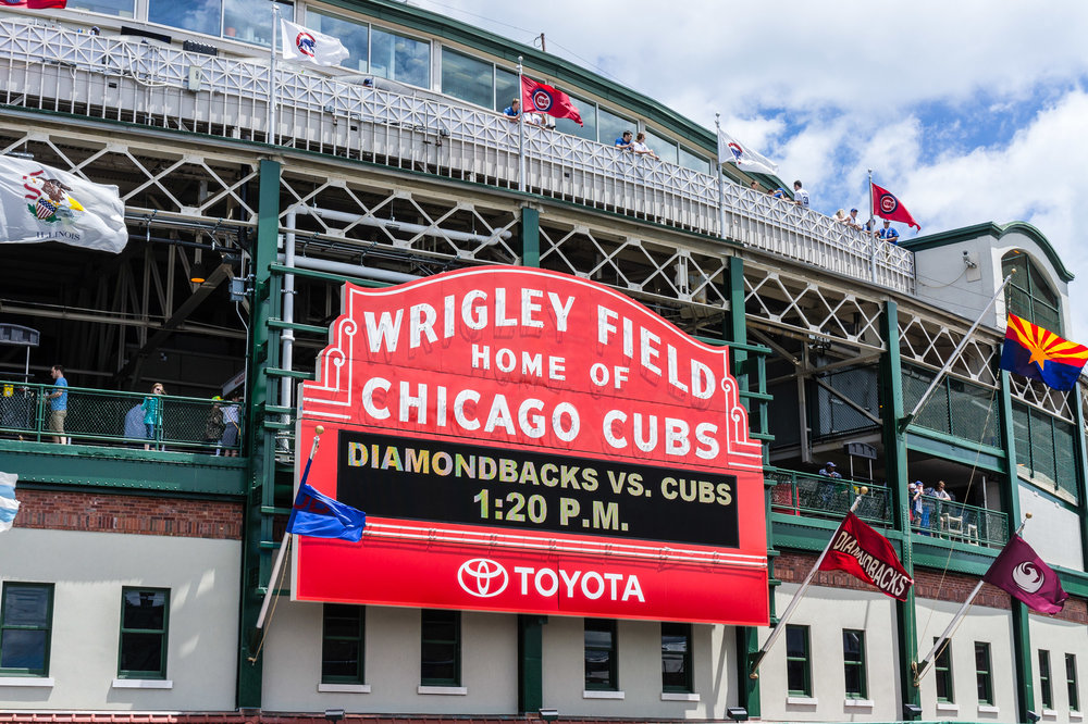 wrigley_field_sign.jpg