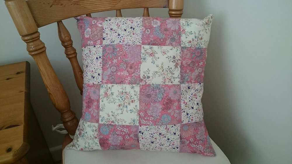 Easy Patchwork Cushion Workshop - Suitable for beginners. This is a small group half day work shop so you will get lots of quality time with course instructor Alison Burleigh. Come and learn how to making a simple patchwork cushion using squares of fabric and how to make envelope back. Check  out our calendar for the next course date.