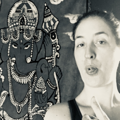 If you're going to put a ridiculous selfie on the internet, at least include Ganesha!