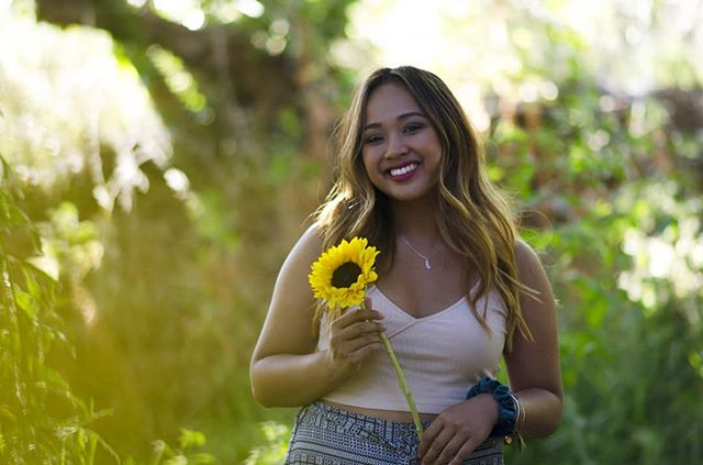 The beautiful @ambsunfleur ❤️ Of course we had to do a shoot with her signature flower 🌻 . . . #portrait #photography #portraitphotography #portraitmode #portraitmood #postthepeople #creativeontherise #creativevisuals #portraitfestival #postportraits #makeportraits #portraitvision #sandiegophotographer #sandiego #californiaphotographer #bokeh #flowers #sunflower #model #femalemodel #nature #greenery