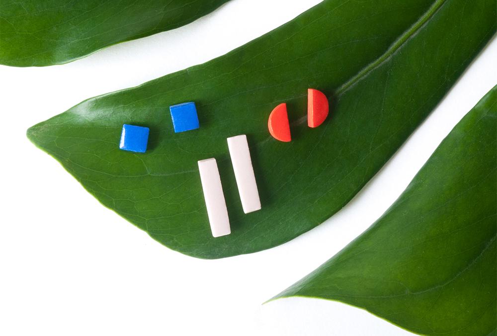 shape_studs_leaf_web.jpg