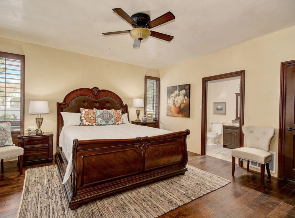 The cozy and spacious bedrooms will be shared, 3 or 4 workshop participants in each room. All bedrooms have an attached bathroom with tub! -