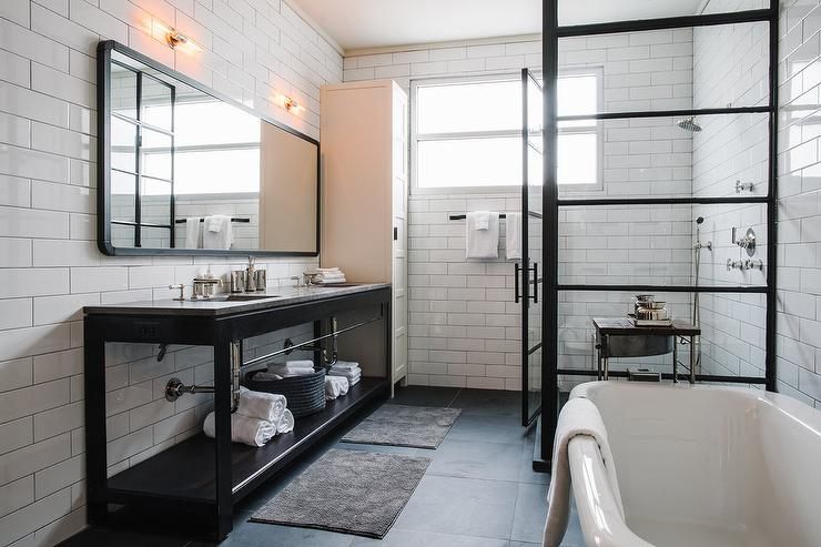 Bathroom Remodeling - Tired of your old bathroom In Huntington Beach? Our bathroom remodeling contractors and designers would love to help you repair, replace or redesign your entire bathroom. We specialize in master bathroom for homeowners. Learn More...