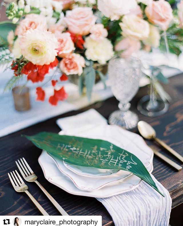 One is my favorite shoots to date! #Repost @maryclaire_photography • • • I love this tropical table setting from a shoot @royalpalmsweddings! The menus on leaves were so beautifully executed by @libbyraestudio. @cococollectiveweddings @arraydesignaz @eventrentsaz