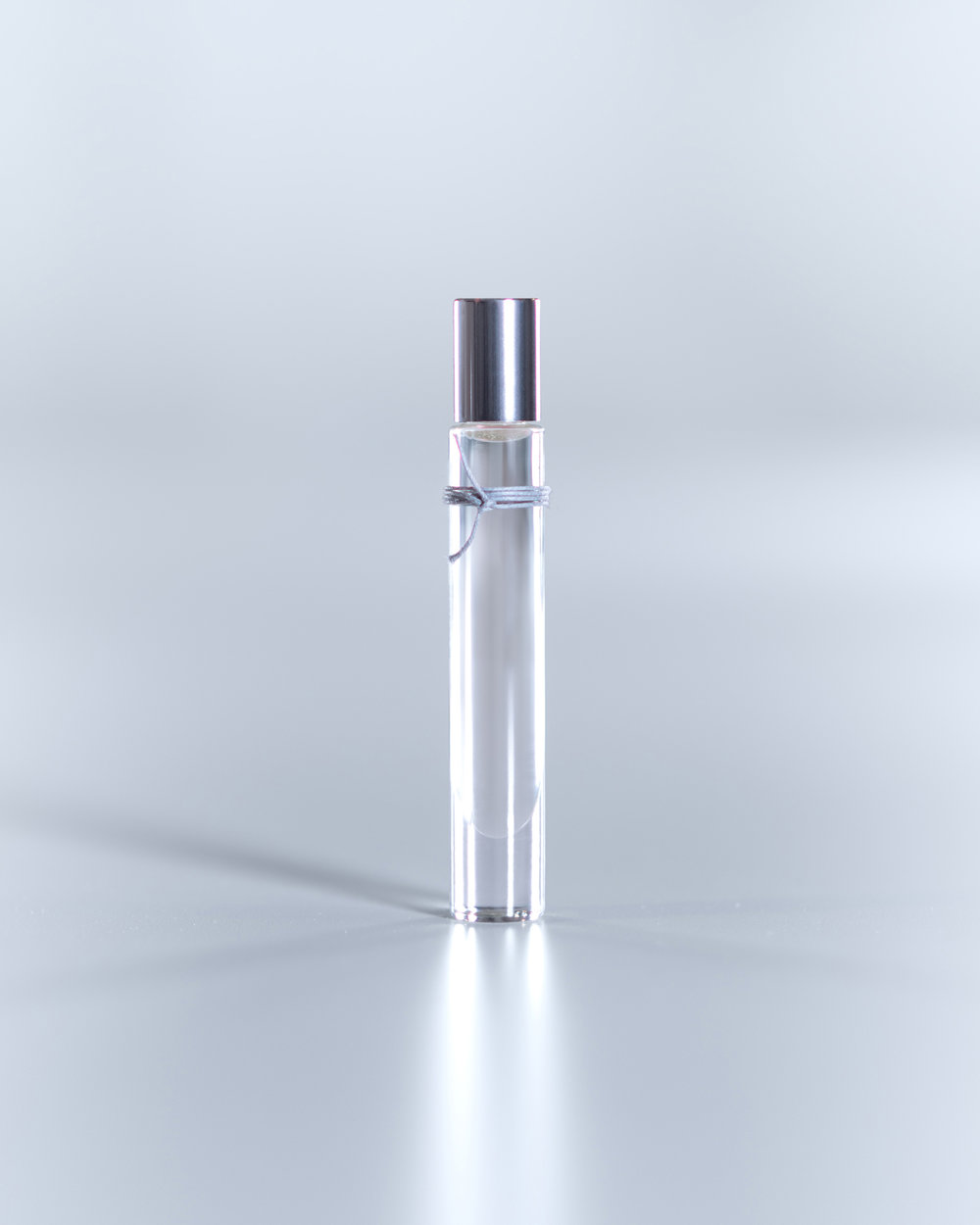 liv:4   A Pure Sensual Woody Scent  [whig plant, santal, musk]