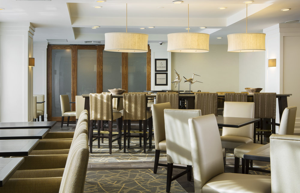 Hampton Inn Hallandale Beach Communal Seating