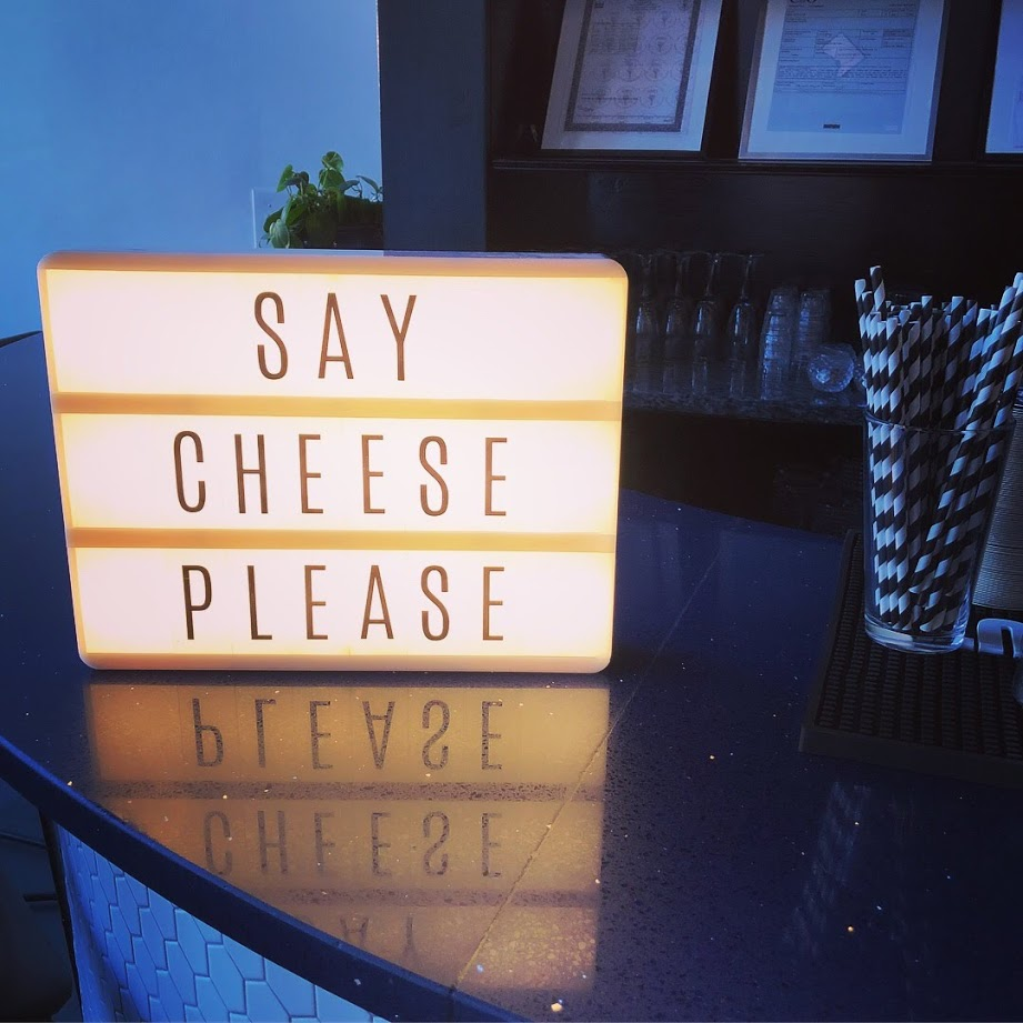 generalist say cheese sign.JPG