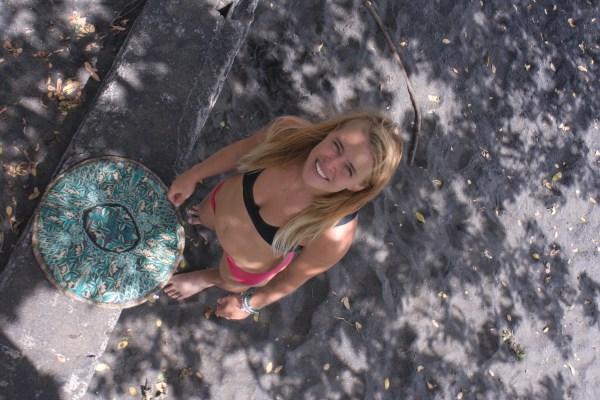 Mini bédaine de 8 ou 9 semaines, en direct du Nicaragua. Je pense que c'est la première photo où on la voyait ^_^