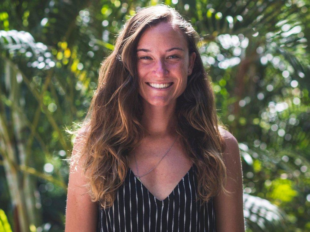 Geneviève - Créatrice d'expériences, facilitatrice de l'atelier EAU & professeure de yoga
