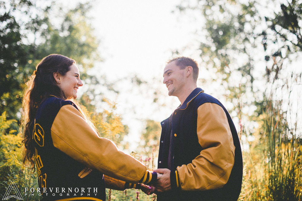 Ennis-Sussex-Sunflower-Maze-Engagement-Photos-01.JPG