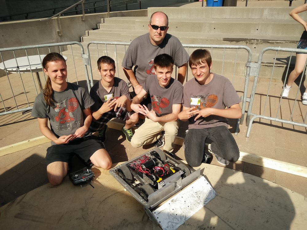BeaverWorx FRC High School Team with Champion robot HODOR!