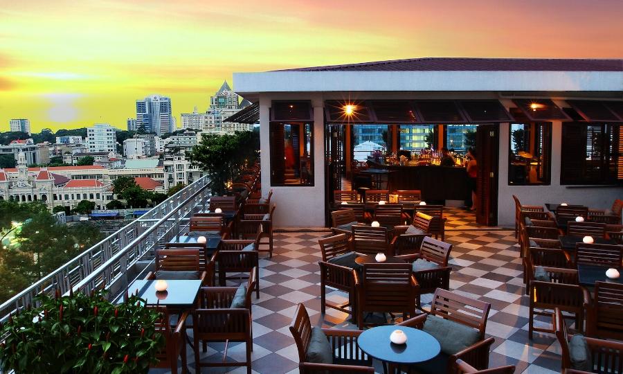 Caravelle-Saigon-Saigon-Saigon-Bar-01 (1).jpg