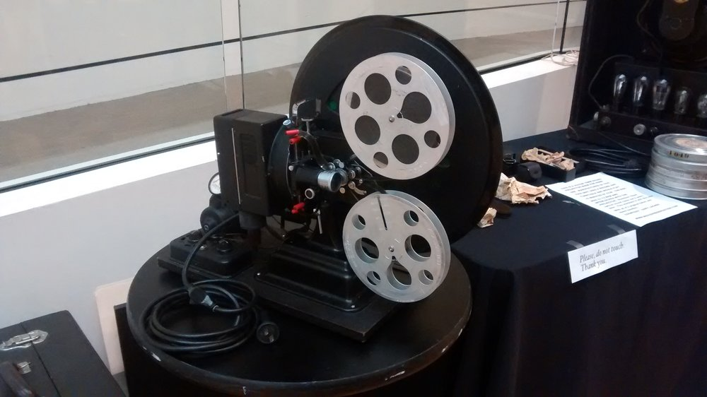 Film Synchronization Projector