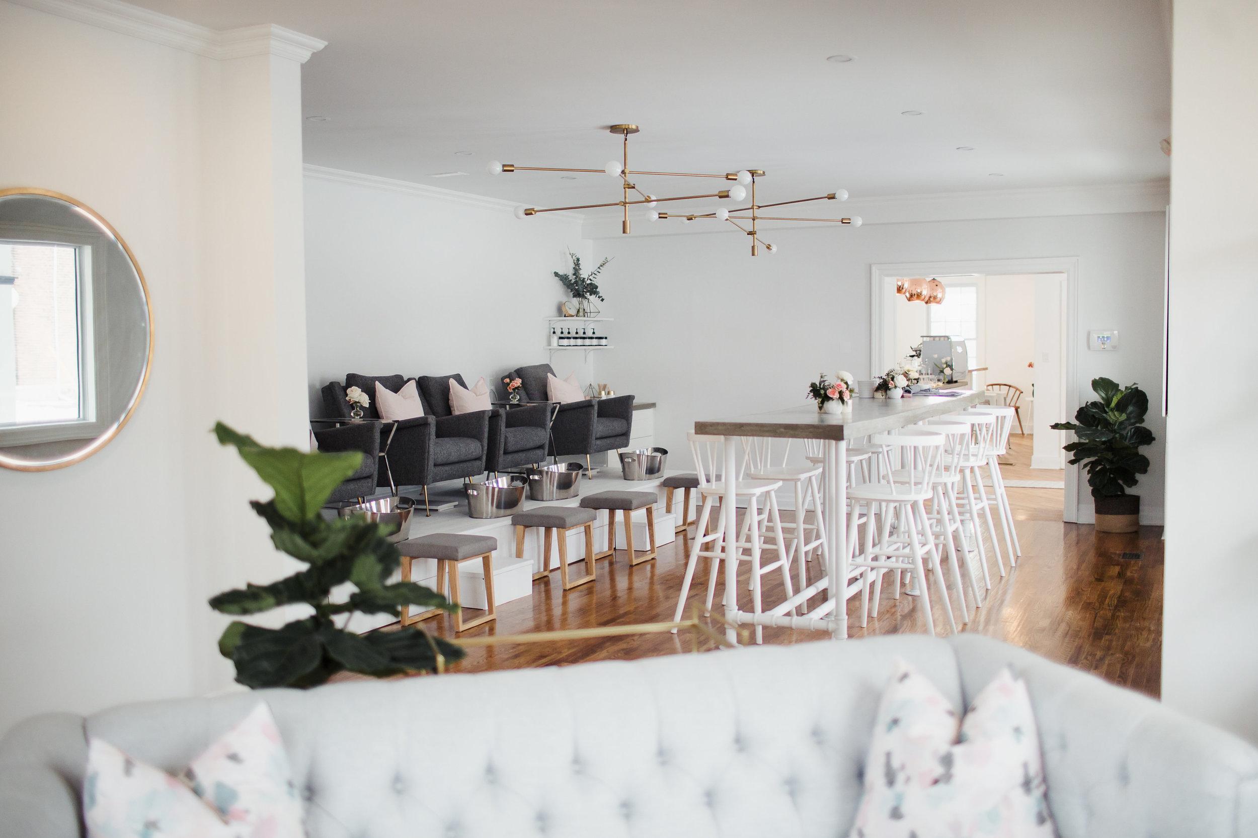 Beautiful Home Beauty Salon Ideas Gift - Home Decorating Inspiration ...