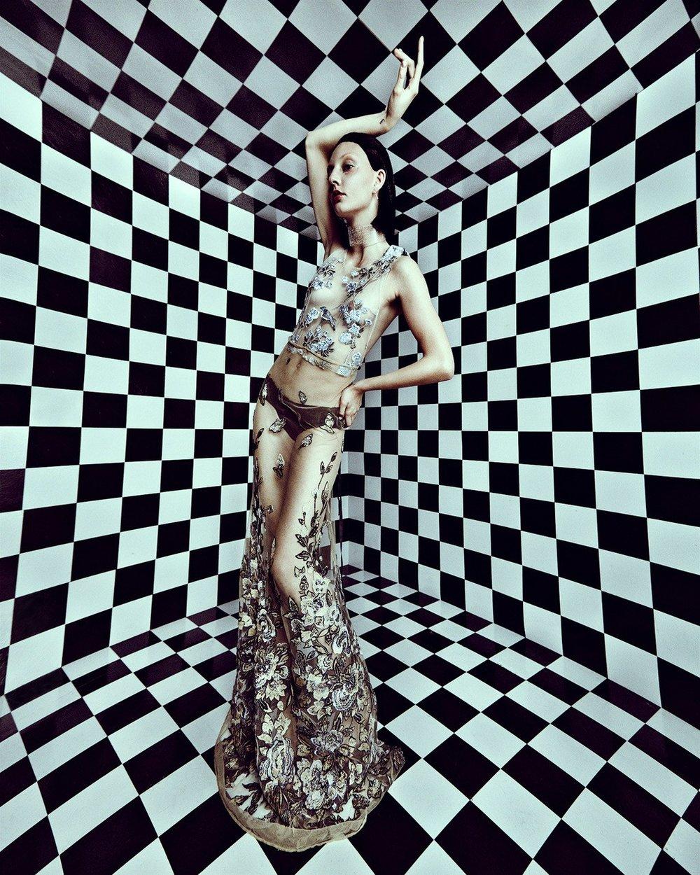 http---www.kingkongmagazine.com-fashion-cartesian-.jpeg