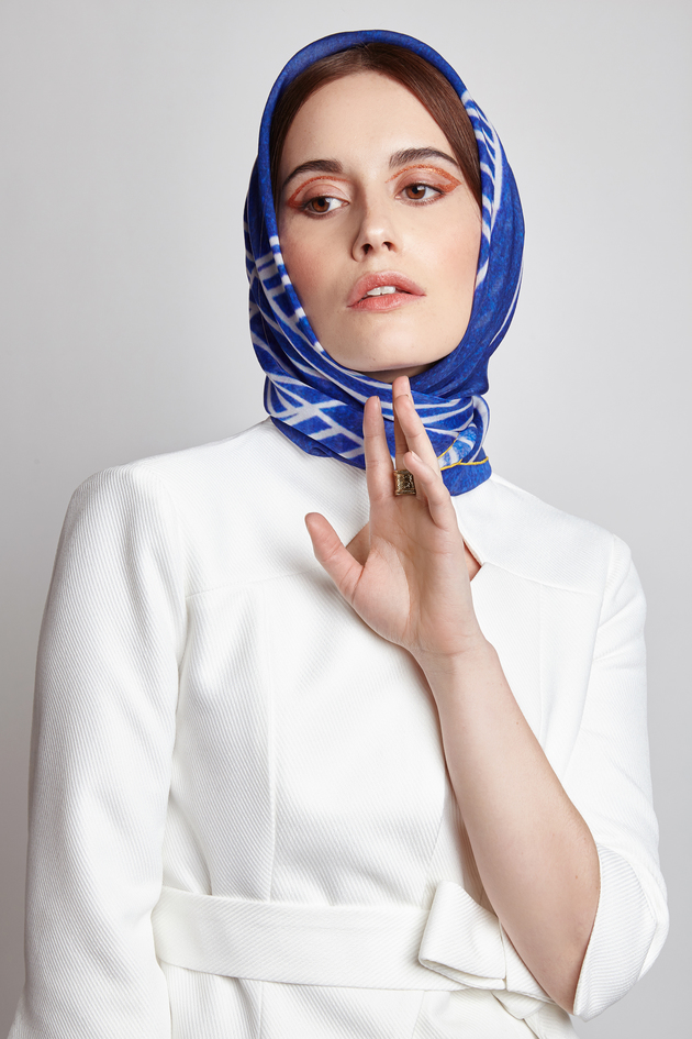 Huffington Post<br>In Praise Of The Silk Scarf<br>07/12/2017