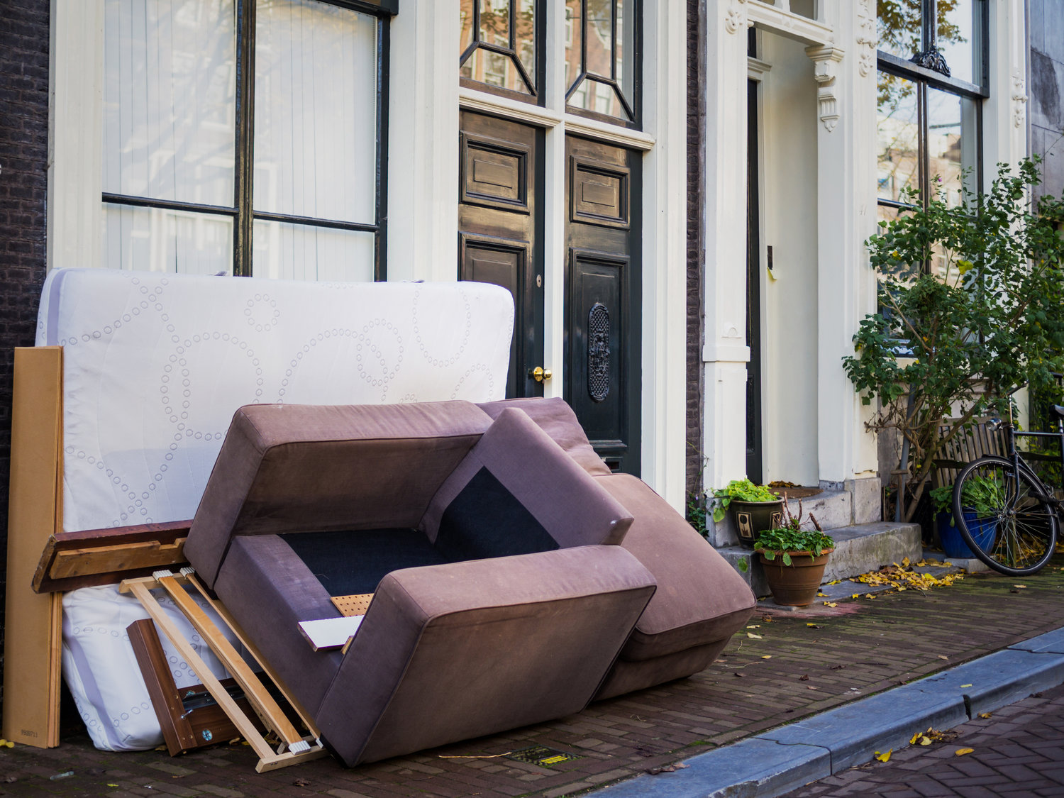 Need Your Old Furniture Or Rubbish Cleared We Can Help You Dispose Of Unwanted Items