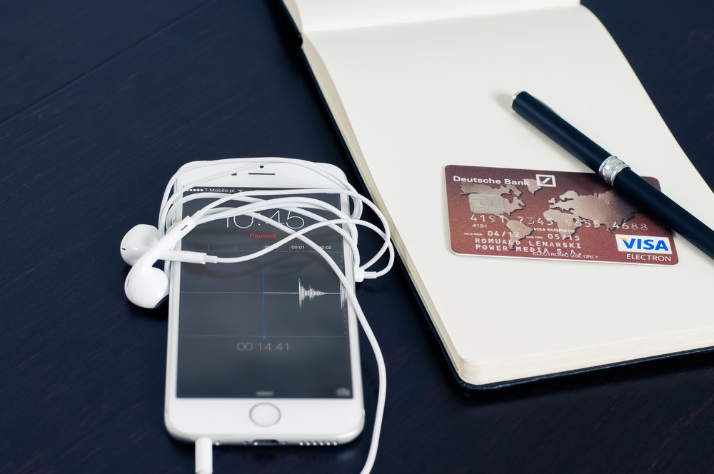 iphone-visa-business-buying-38565 (1).jpeg