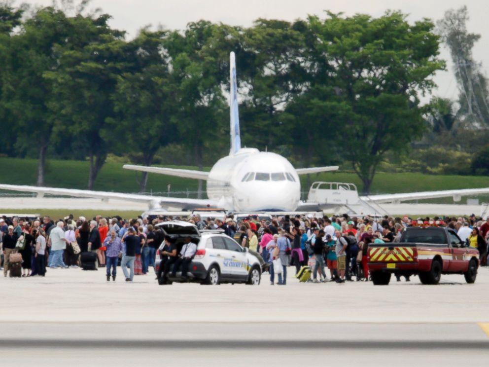 AP-ft-lauderdale-airport-shooting-03-jef-170106_4x3_992-1.jpg