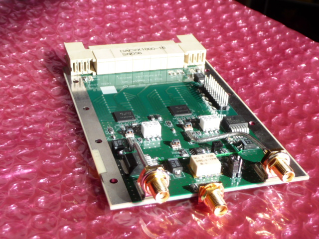 DAC2X1000-16 - Two channels of D/A conversion, 1000MSPS, 16-bits, (2 ea DAC5681) occupies one ZDOK connector.schematicPrice: $1050 Qty in stock: 2