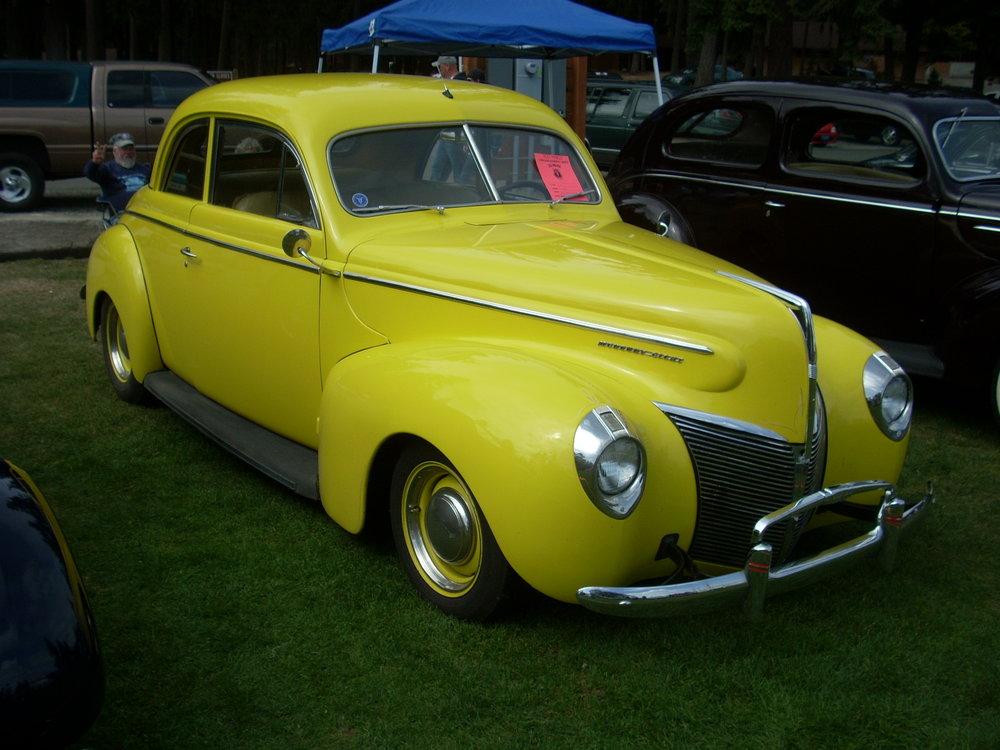 Dale and Linda Hughes - 1940 Mercury 2-Door Coupe