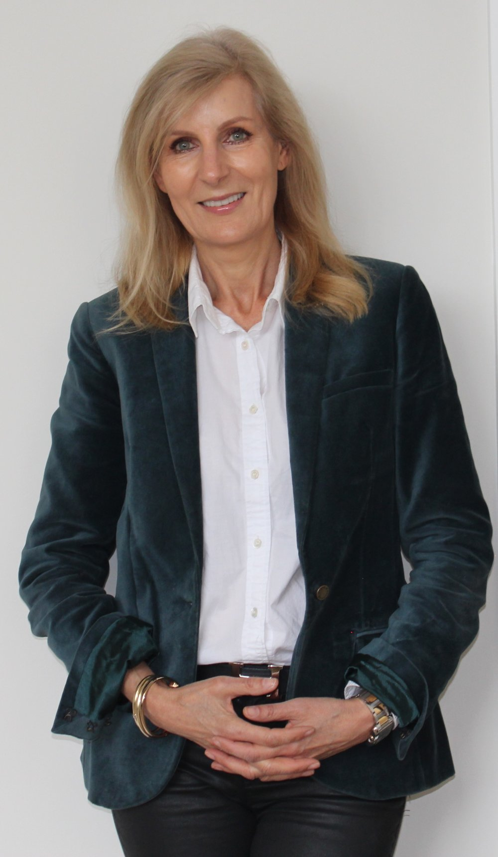 Pauline Leslie - based in Sydney and one of Australia's leading practitioners of Rapid Transformational Therapy (RTT)
