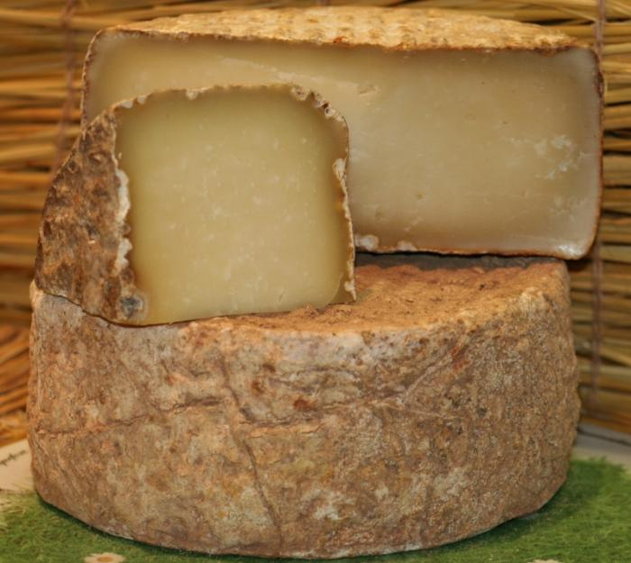 tomme-brebis-fromage-brebis-corse.jpg