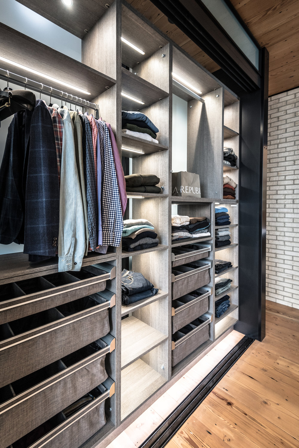 Beautiful Jose Garcia architecture with California Closets.  Featured in the second edition of California Closets Magazine, Ideas of Order.