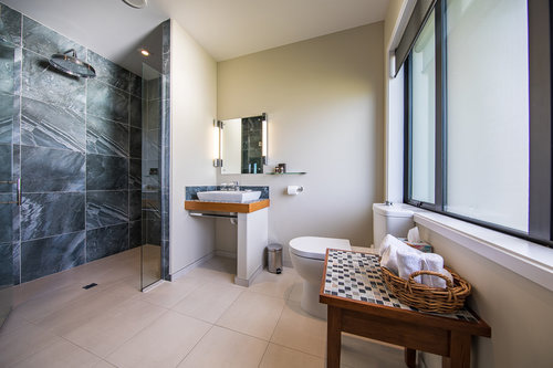 Top of the range ensuite bathrooms for all hotel guest rooms at Manakau Lodge accommodation Kaikoura