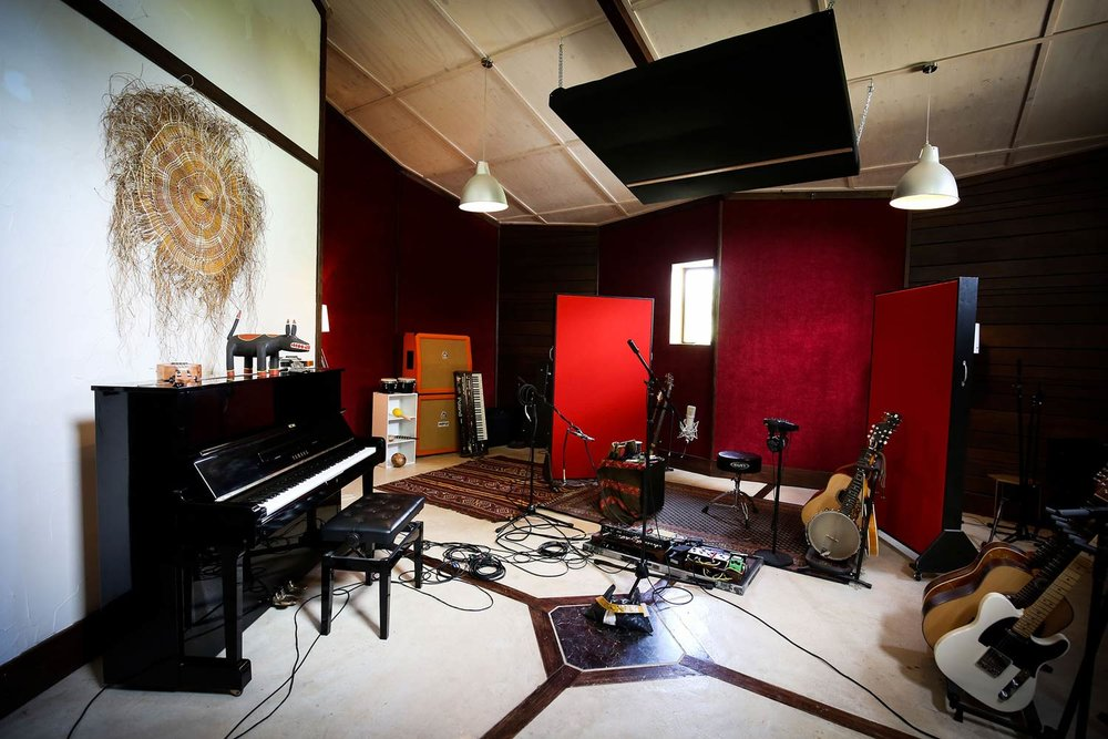 red-moon-studios-gear-13.jpg