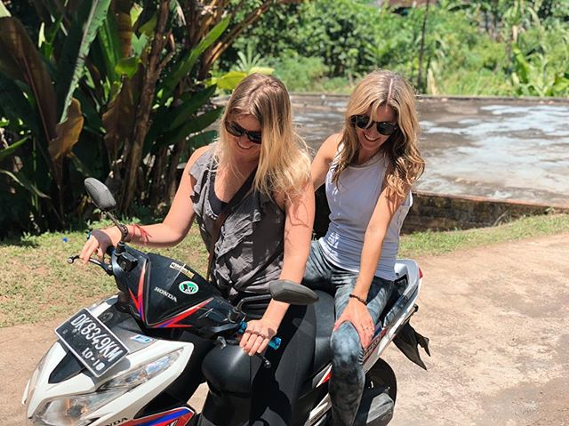 Feeling so much gratitude to have had the opportunity to spend 5 weeks in paradise with @eliserundevoss! Currently in denial that she left...#betsymissesyou #scooterbetsy