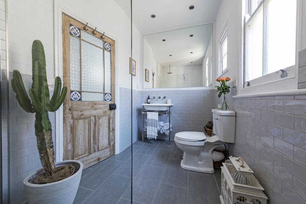 10 Bonneville Gdns Bath 1.jpg