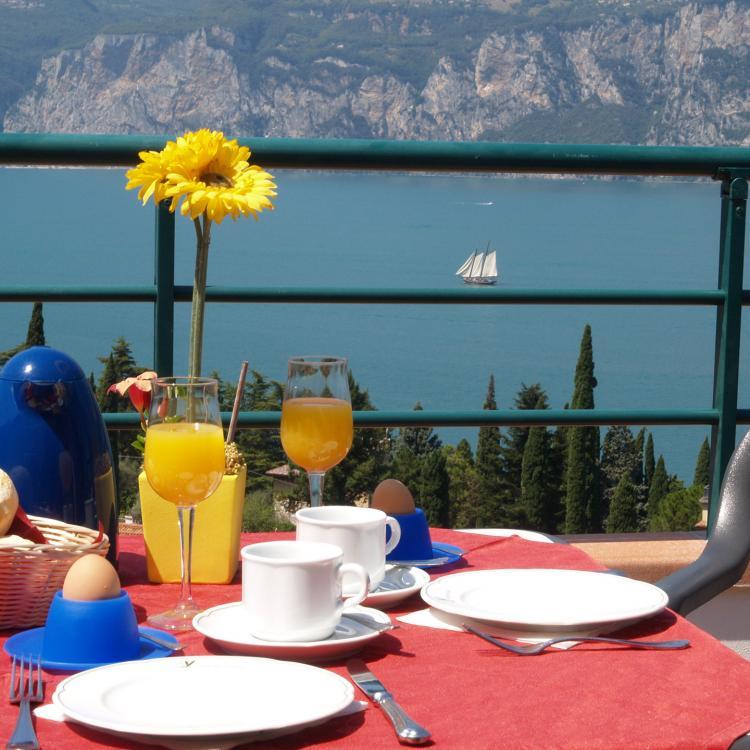 Villa Smeralda   ***  Distanza meno di 3km