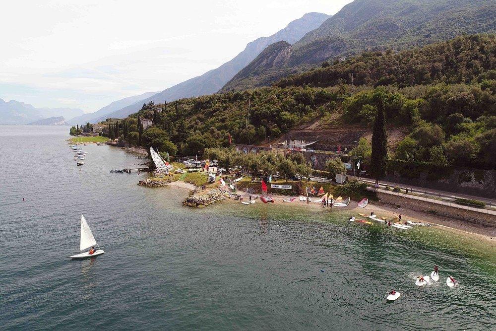 windsurf material lagern und bootsliegeplätze am gardasee in malcesine